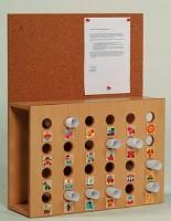Elternpostkasten mit Kork-Pinnwand und 24 Fächern