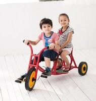Kindertaxi mit zwei Sitzplätzen