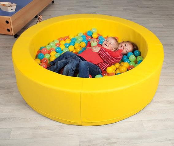b lleb der ein meer aus b llen jetzt online kaufen. Black Bedroom Furniture Sets. Home Design Ideas