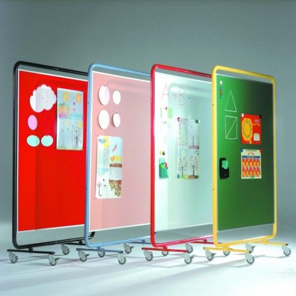 Fahrbare Ausstellungswand mit Tuchbespannung