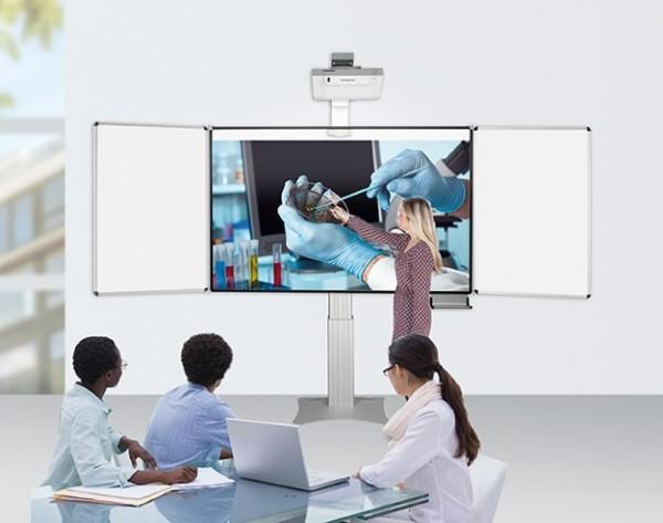 Pylonensystem für fingerbedienbare Projektoren, mit Flügeln, elektr. höhenverstellbar