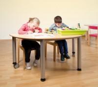 Halbrunder Tisch, fahrbar oder feststehend