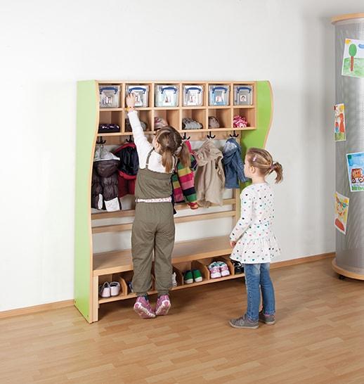 komplett garderobe mit kunststoffboxen kindergarderoben. Black Bedroom Furniture Sets. Home Design Ideas