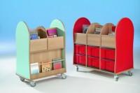 Fahrbare Bücherkiste mit 4 oder 6 Fächern und bunten Boxen & seitlicher Ablage