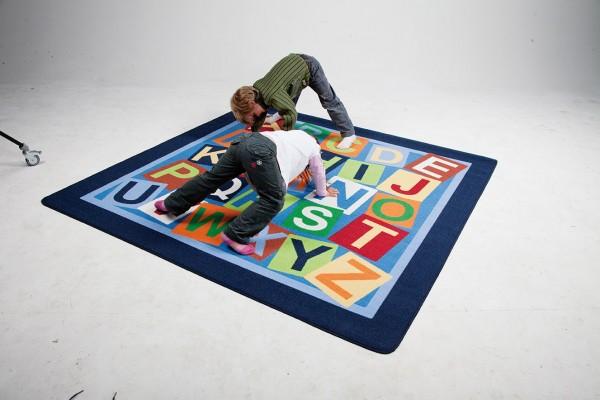 """Spielteppich """"Buchstaben-Quadrat"""""""