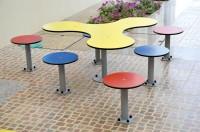 Tischgruppe Kleeblatt inklusive 6 Hocker