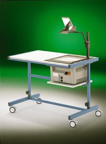 Fahrbarer Projektorwagen