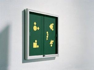 Informationsvitrine mit Rückwand, Stahlemaille grün